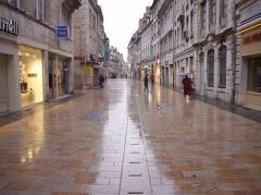 besancon grande rue.jpg