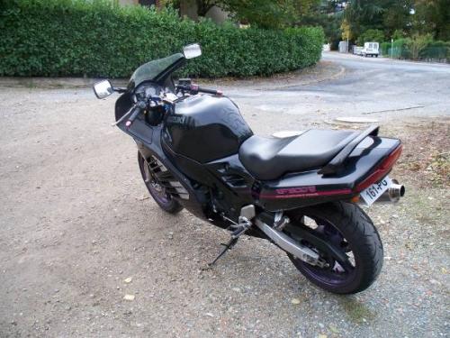 30766-moto-type-suzuki-900-rf-f-2.jpg
